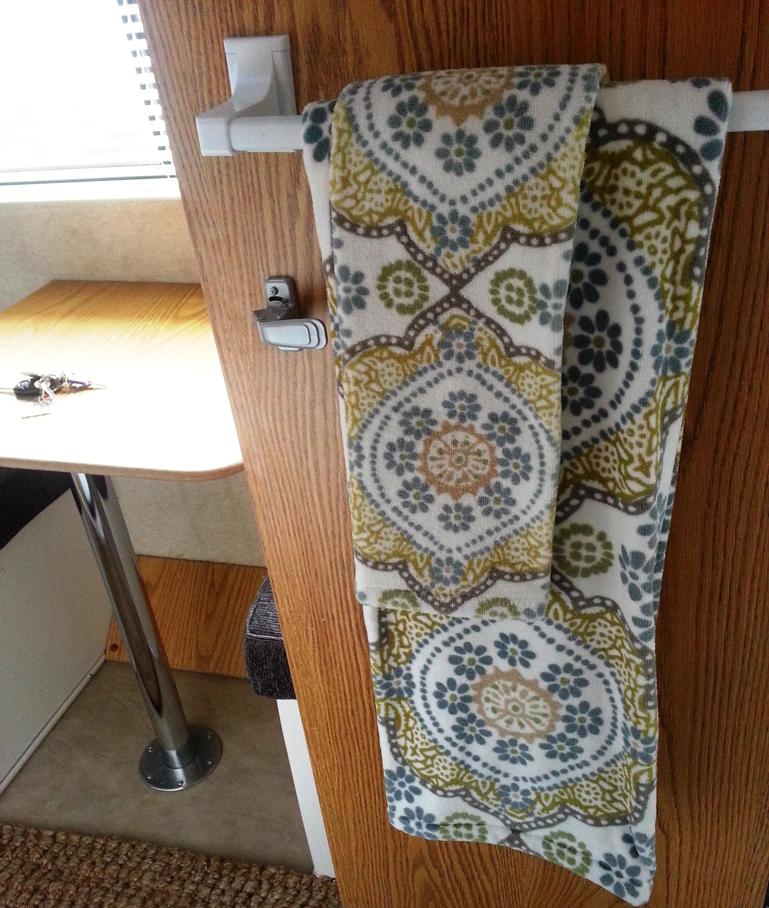 decorative towels and jute rug highway to hoeftland - Decorative Bath Towels